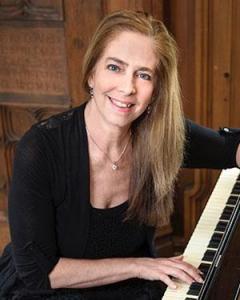 Pianist Tina Faigen